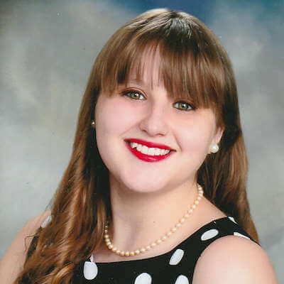 Gina Snyder Headshot