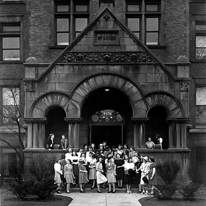 Students in front of the 49th and cottage campus